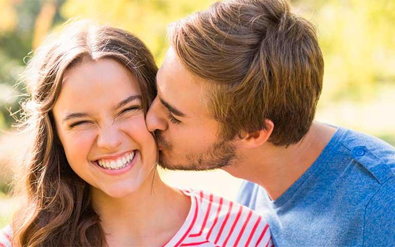 Significado de beso en la mejilla