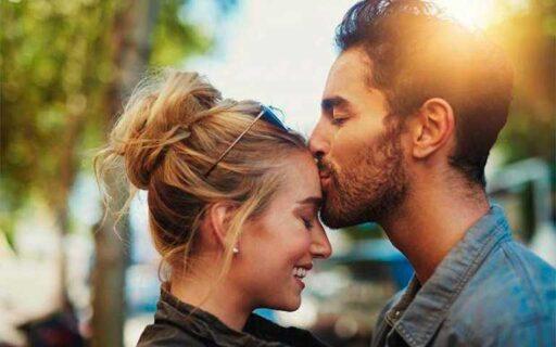 Beso en la frente, Aquí te decimos su significado