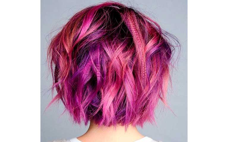 cabello morado con rojo