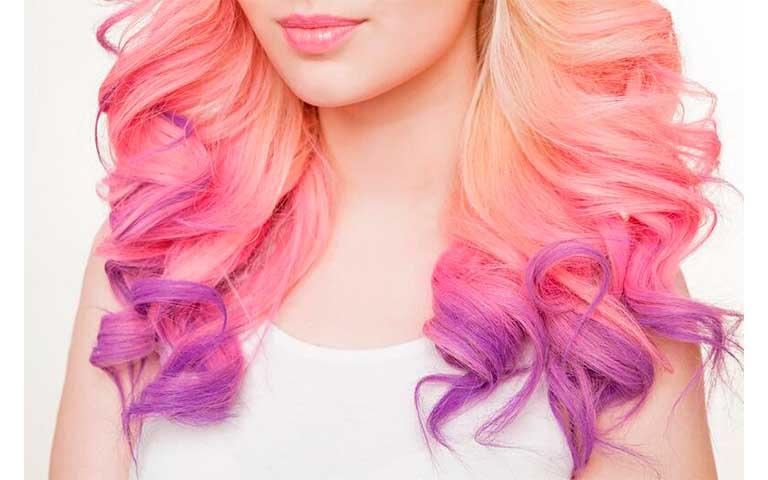 cabello morado con rosa